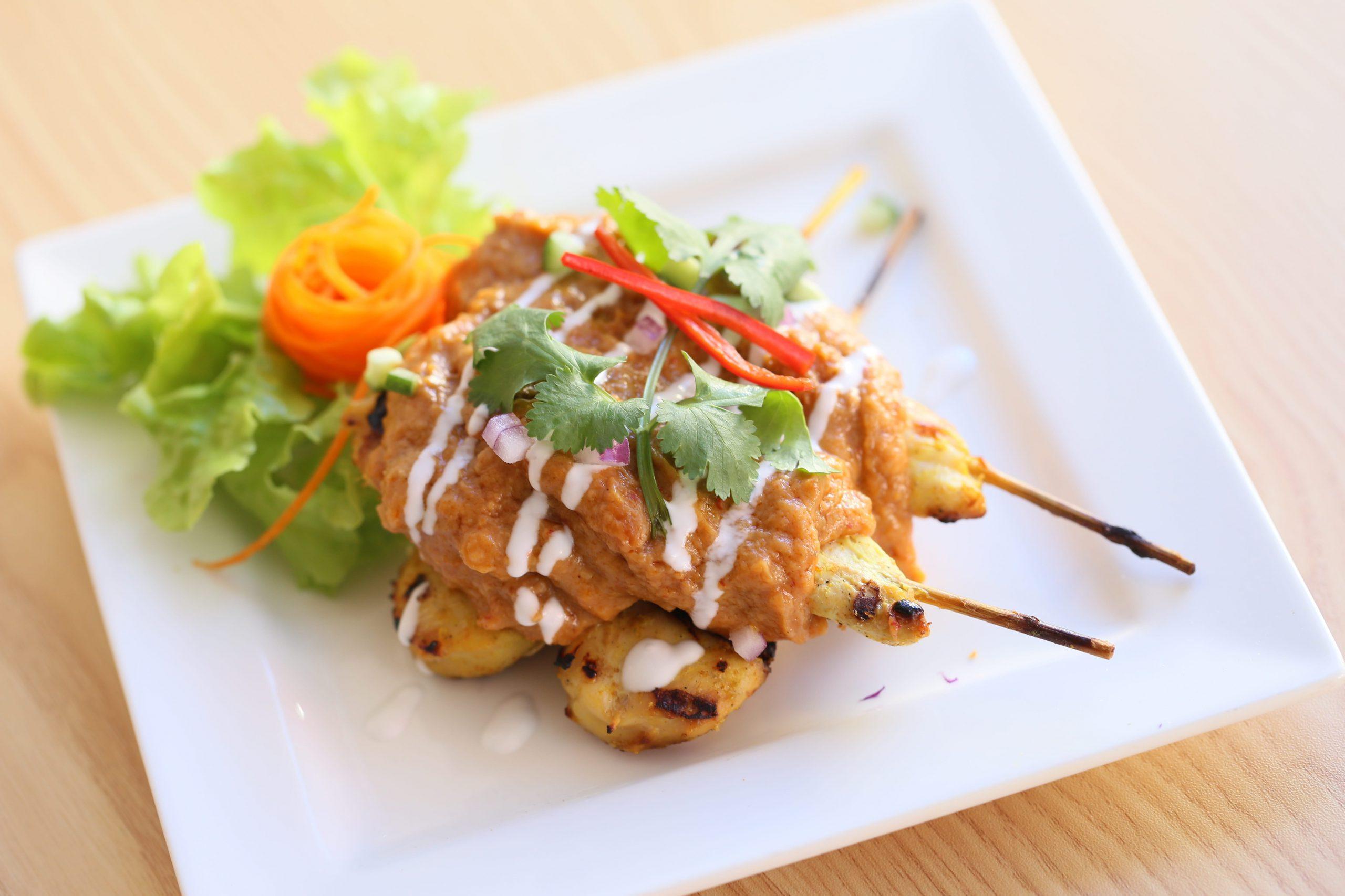 brochetas-de-pollo-a-la-tailandesa